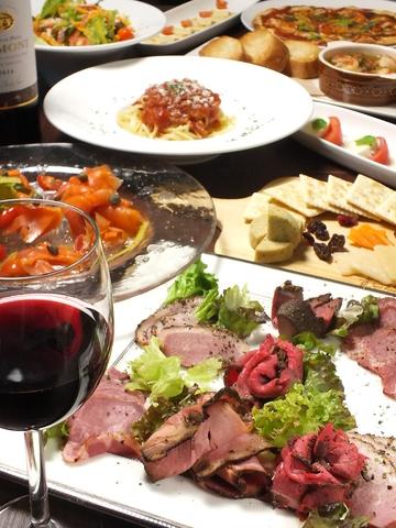 8月オープン☆落ち着いた雰囲気のカフェでおいしいディナーをどうぞ♪