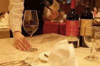 ワインは常時80種類