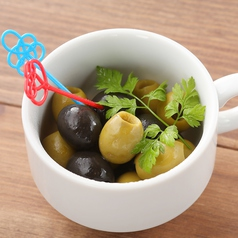 料理メニュー写真スペイン産オリーブの盛り合わせ