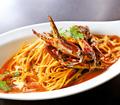 料理メニュー写真渡り蟹の濃厚トマトクリームパスタ