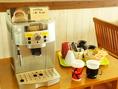 コーヒーメーカーも備え付けてありますのでコーヒー・紅茶と一緒に是非☆