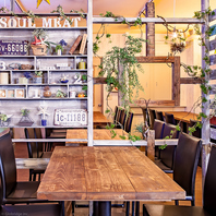■雰囲気ある店内■本格肉料理とワインが楽しめるお店