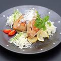 料理メニュー写真鶏もも肉コンフィー ガーリックポテト添え