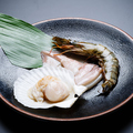 料理メニュー写真魚介類の炭火盛合せ