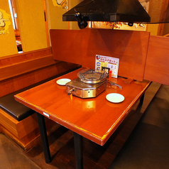 2名様テーブル×8