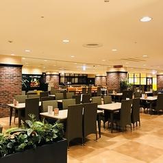 神戸クック ワールドビュッフェ ハーバーランド店の雰囲気1