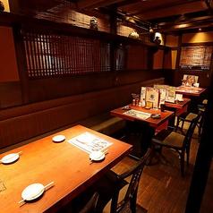 4名様までのテーブル席です。気心知れたご友人とのお食事にも最適!当店こだわりの料理をお楽しみいただけます♪