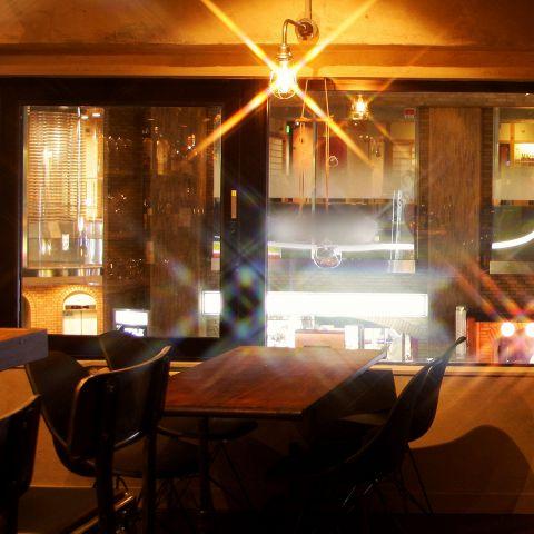 2階テーブル席は間隔が広く、周囲をあまり気にすることなく落ち着いてお楽しみいただけます♪