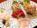 旬を堪能!【お刺身各種】職人の店長自ら足を運んで選び抜いた鮮魚をご提供!厳選された旬の魚は新鮮の一言です!一口食べれば、そのこだわりを感じることができます。※写真はイメージ※仕入れ状況により、内容・価格など変更がございます