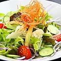 料理メニュー写真彩サラダ