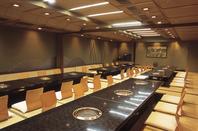 4階大宴会場は最大70名様までご利用可能。