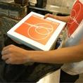 【薪窯で焼いたアツアツを!】ピッツァイオーロ(ピッツァ職人)の繊細な感覚で、作るピッツァは絶品です!