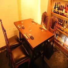4名掛けのテーブルです。オシャレな店内なので女子会も最適★