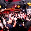 フリースペースでは国内外の人気DJが出演。