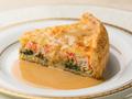 料理メニュー写真ズワイ蟹とほうれん草のキッシュパイ