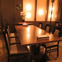 カウンター テーブル席