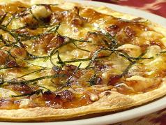 料理メニュー写真照り焼チキンピザ