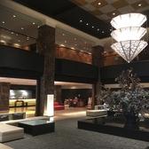 カンデオホテル豪華エントランス入口(1階)ソファー