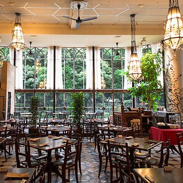 カフェ ラ ボエム 新宿御苑 CAFE LA BOHEMEの雰囲気1