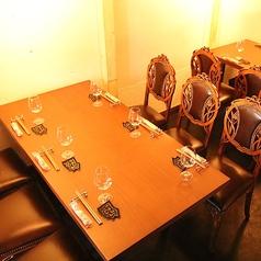 こちらは6名掛けのテーブルです!ゆったり広々としたテーブルですので、各種ご宴会・コンパにいかがでしょうか?