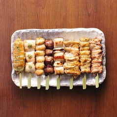 料理メニュー写真串焼き8本盛り合わせ