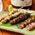 料理メニュー写真鰻の串焼きおまかせ<3種盛り>