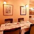 絵画が飾られた店内で最上級のご会食を。心から寛げる空間を意識しています。
