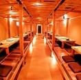 個室席は扉を外せば貸切使用になります。和モダンが広がる宴会場に!!大人数のご宴会もお任せくださいませ!