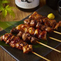 料理メニュー写真串焼き5種盛り合わせ (塩)(タレ)