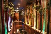 【大阪本町個室居酒屋】竹のオブジェをあしらった店内は落ち着きあふれる和の空間