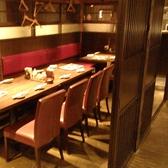 テーブル席でのご宴会もOK。扉付きで、最大16名様までご利用頂けます。