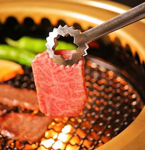 厳選国産和牛が自慢の焼肉店◎コースは3000円~ご用意♪