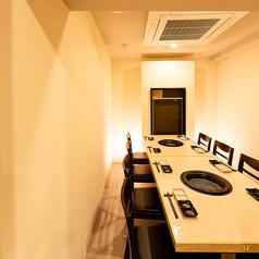 落ち着いた空間で周りを気にすることなくお寛ぎいただける個室席もございます。宴会はもちろん、合コンや接待など様々なシチュエーションにご利用いただけます♪
