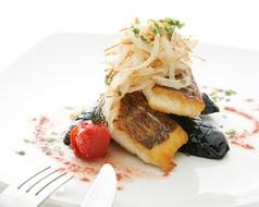 料理メニュー写真真鯛のポワレ 梅アンチョビソース