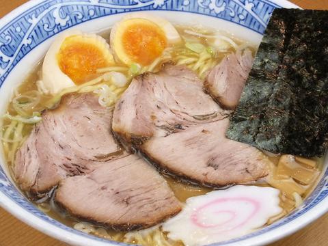 多数のラーメン誌にも取り上げられている『元祖Wスープ』の中華そば