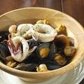料理メニュー写真ムール貝と海鮮の白ワイン蒸し