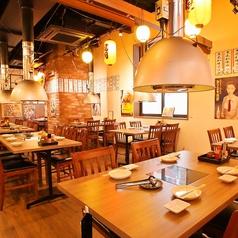 炭火焼肉ホルモン酒場 松阪牧場の雰囲気1