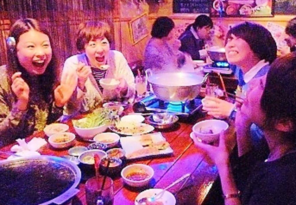 食べる+飲む+おもいっきり笑う=元気になる♪ 感度の高い女子 御用達のお店です