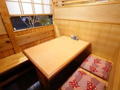 1階のテーブル席は全て個室になっています。