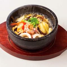 料理メニュー写真【石焼シリーズ】 海鮮あんかけ炒飯