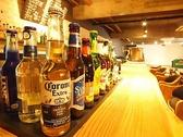 カウンターでは世界中のビールが楽しめる!会社帰りに気軽にお立ち寄りください!瓦町駅徒歩1分の好立地です★
