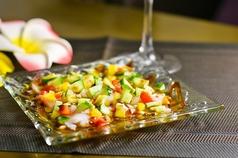 料理メニュー写真水タコとサーモンのアジアン風カルパッチョ