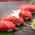 料理メニュー写真仙台牛の炙り寿司(3貫)