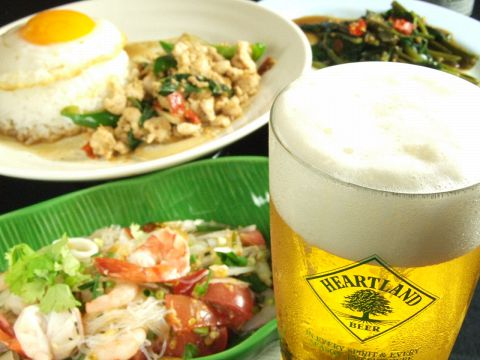 味と雰囲気自慢!本格タイ料理が味わえる大人の隠れ家。