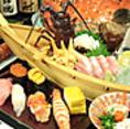 鮮度が高い旬のネタと昔ながらの赤シャリが織成す江戸前鮨です。