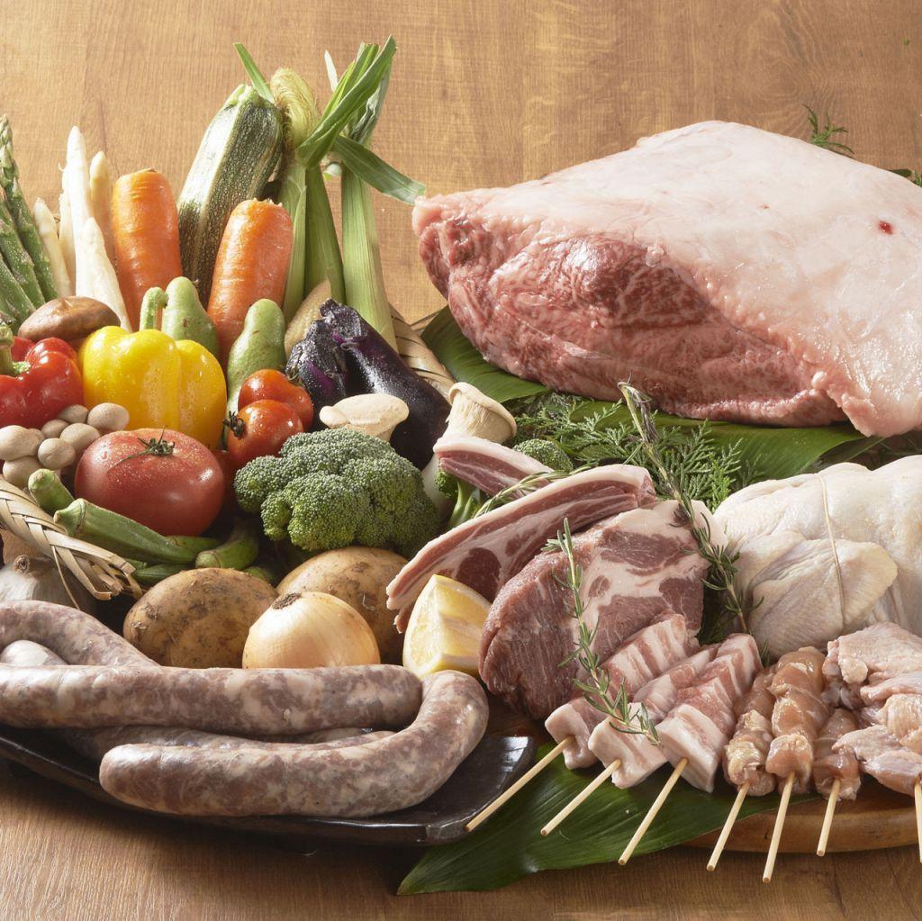すすきの店の目玉は 『Mercato(市場)』!!新鮮な魚介や野菜をお客様のお好みの調理法でどうぞ!!