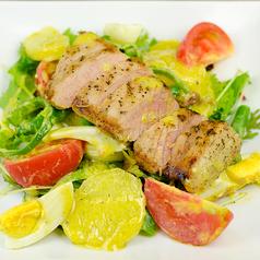 炒りマグロのニース風サラダ