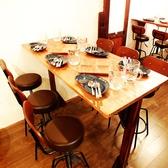 雰囲気が良いテーブル席!5名様~6名様まで可能!とても人気の高いテーブル席となっております!お席のご予約はお早めにお願い致します♪少人数での宴会、女子会、合コンなどにもバッチリなお席ですので一度ご利用になってみてください!