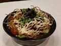 料理メニュー写真出雲蕎麦と温玉のバキバキサラダ