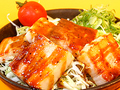 料理メニュー写真黒こしょうダレホエー豚の角切りステーキ